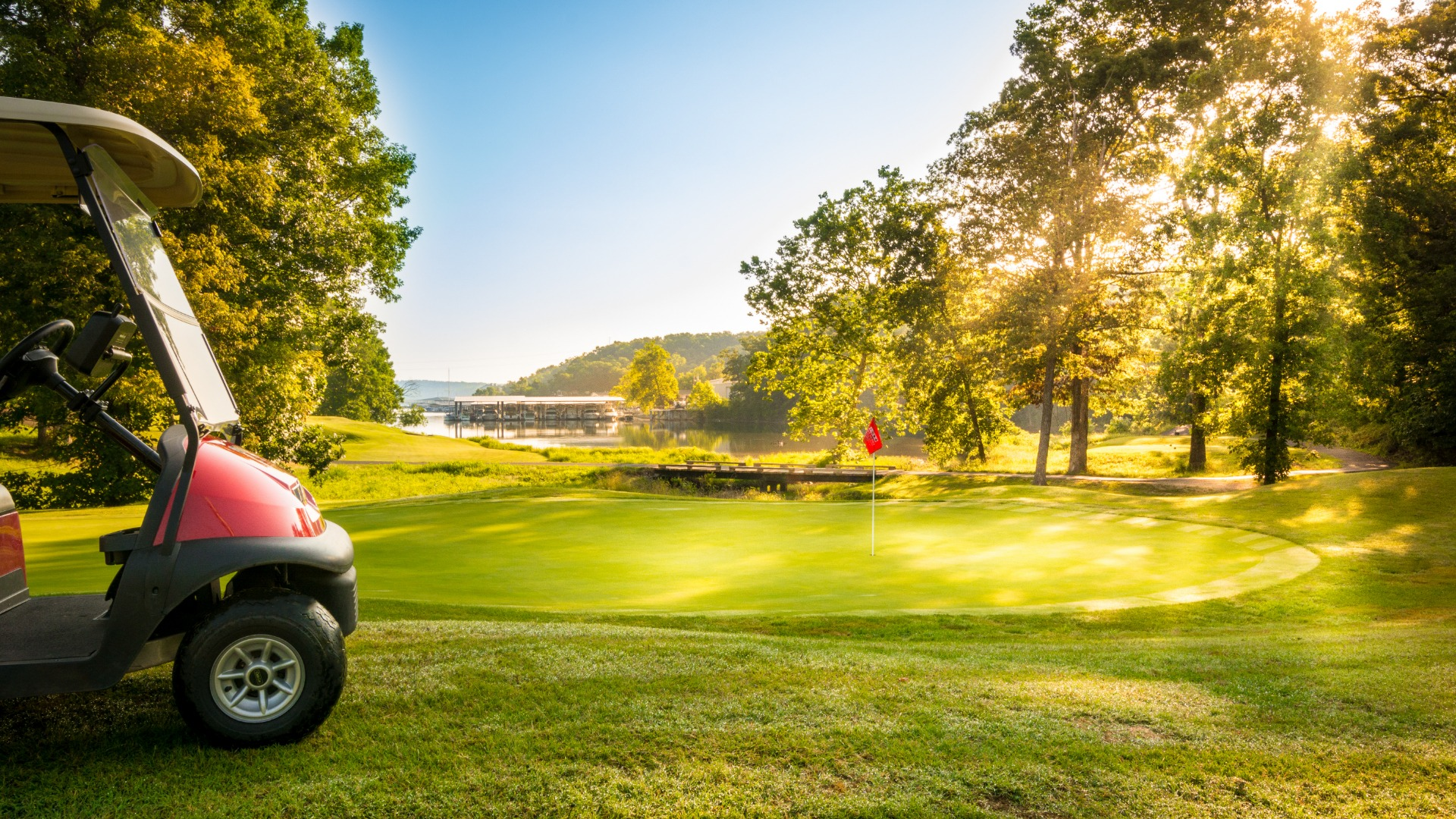 The Lake of the Ozarks accompanies a hole on one of the course at The Lodge of Four Seasons